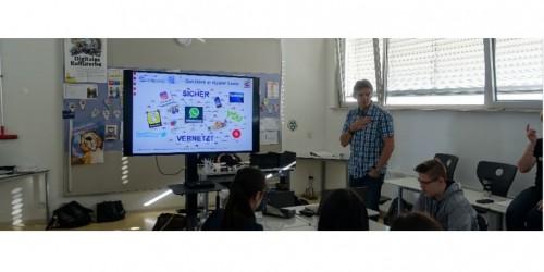 Ausbildung der Medienscouts am Neuen Gymnasium