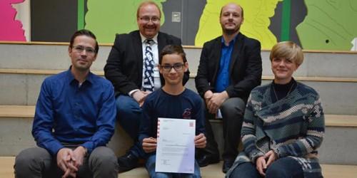Rüsselsheimer Echo:  Achtklässler David Schmitz gewinnt Olympiade