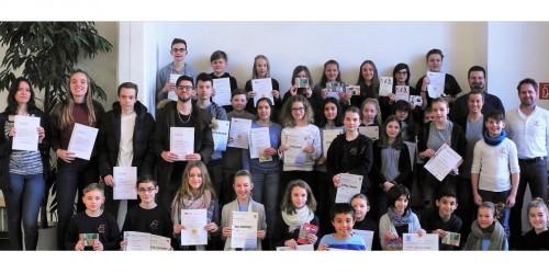 Ehre, wem Ehre gebührt – Neues Gymnasium zeichnet zum Halbjahr 2017/18 herausragende Schülerleistungen aus