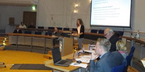 """Schülerin des NG präsentiert Vorschläge beim Projekt """"Leuchtende Vorbilder"""""""