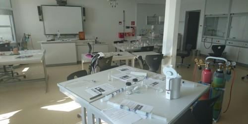 Fortbildung für Chemie- und Biologielehrer am NG: Low-Cost Experimente für den Unterricht