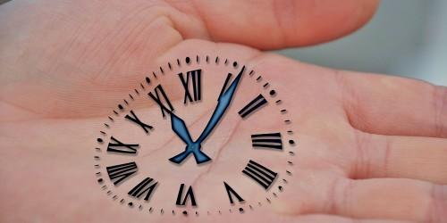 Unterrichtszeiten und Ansprechpartner